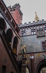 Hôtel de ville #5 - Vertige néo-gothique / Rathaus #5 - Neogotischer Schwindel