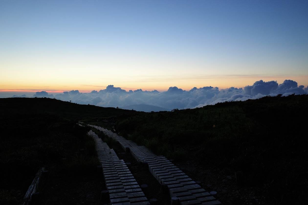 太郎平小屋から眺める夕日
