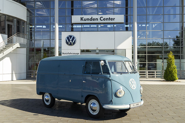 1950-volkswagen-bus-sofie-11