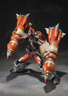 S.I.C. 假面騎士FOURZE 火箭型態  冠軍組坂本洋一氏&KOMA 新作在 Amazon 限定販售!