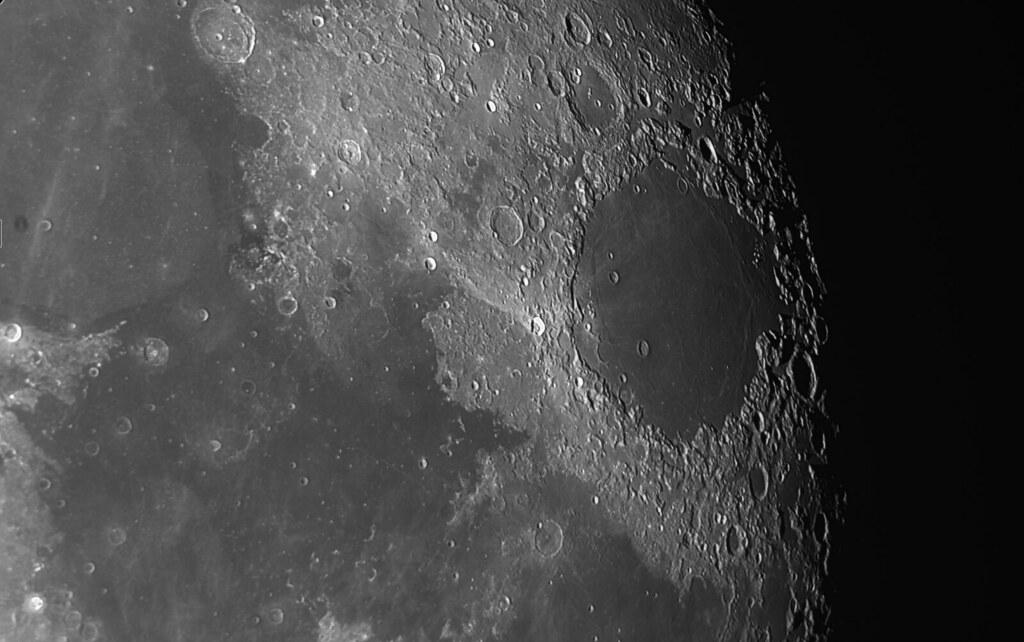 The moon 2020-08-05