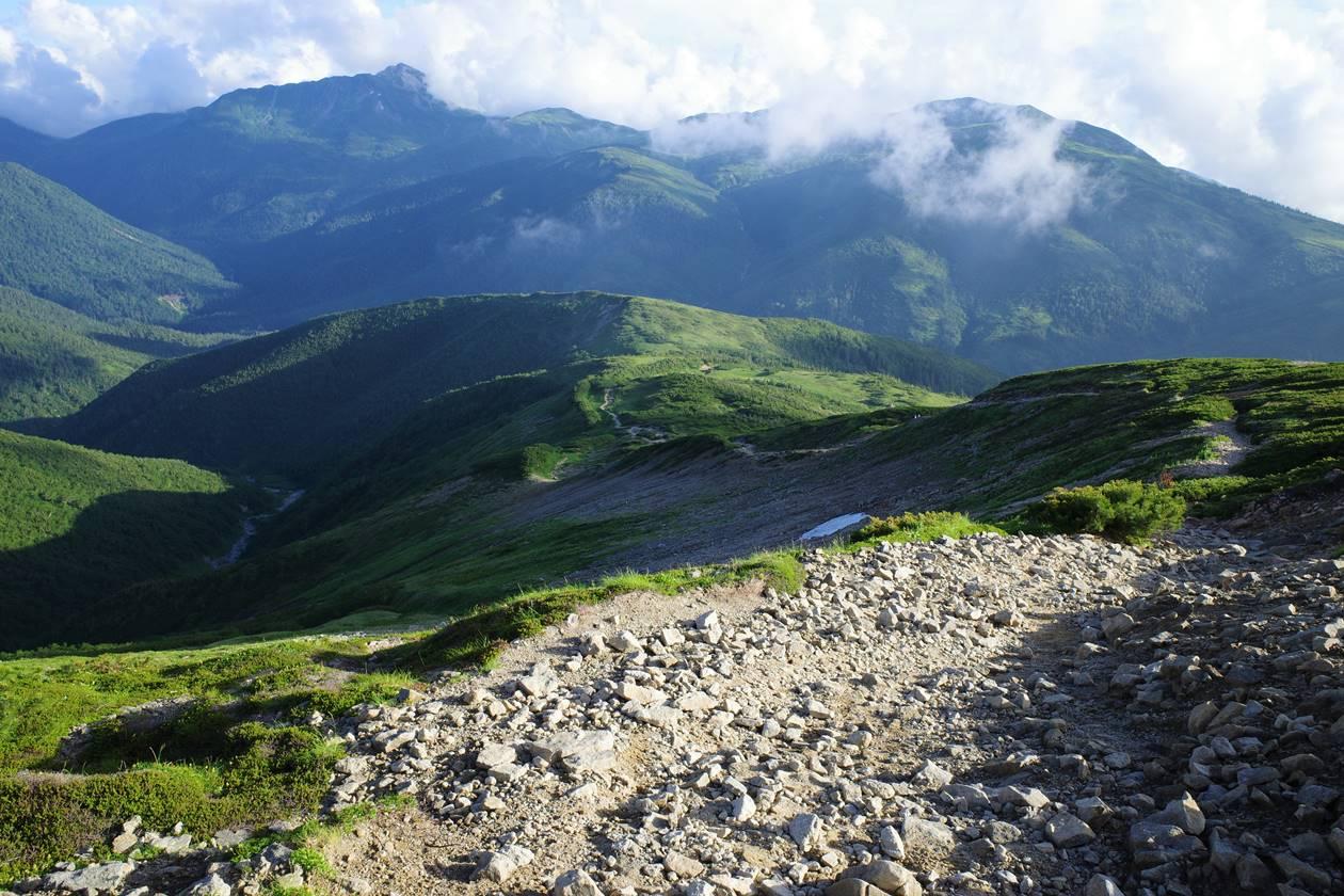 薬師岳から太郎平小屋へ下山