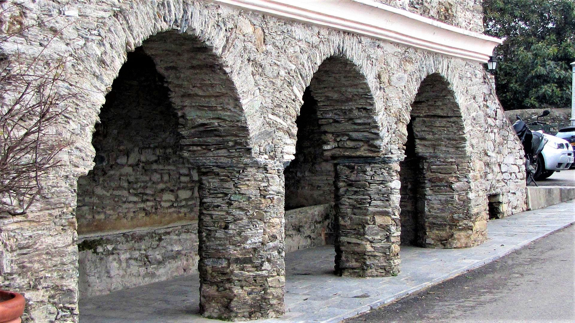 Vieux-lavoir a Penta-di-Casinca