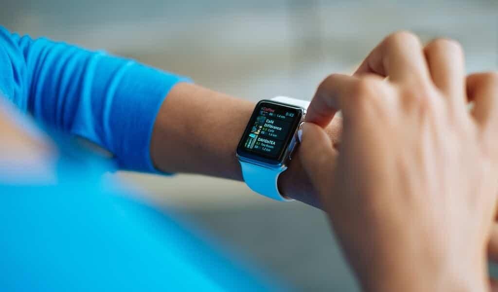 une-smartwatch-suit-en-temps-réel-les-médicaments