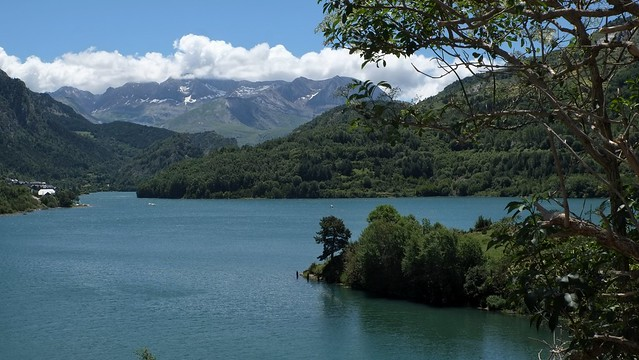 Lanuza reservoir.