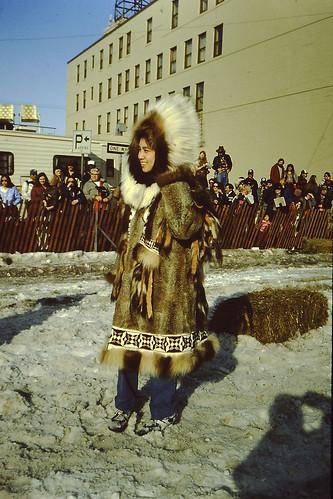 Yupik-parka-fur-market