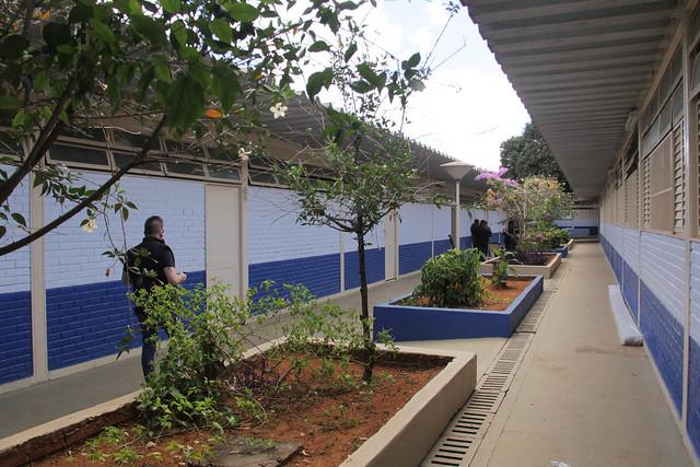 Secretário de Educação visita escolas de Brazlândia