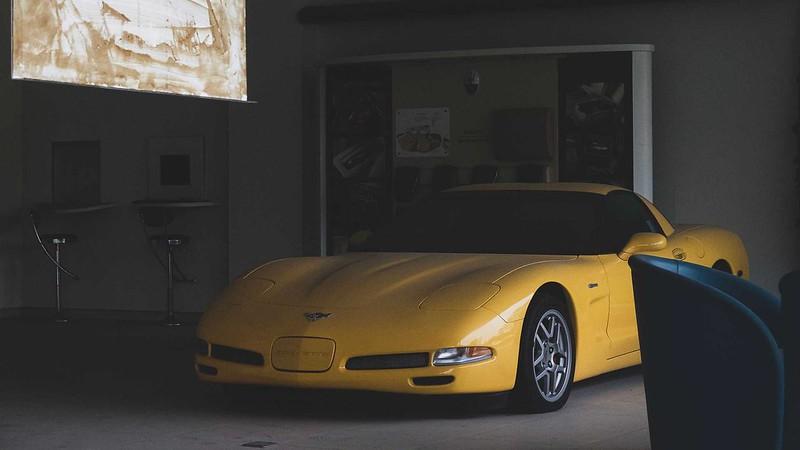 abandoned-corvette-z06-c5-front-profile
