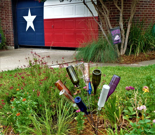 TEXAS BOTTLE GARDEN ART