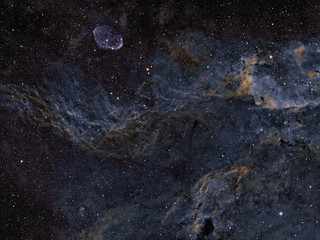 NGC 6888 WO GT 71 Flat 6A III TK EM 200 Temma 2  ZWO ASI 1600MM Pro Gain 139 -20 RB Focuser 20x300 sg HA 30x300 OIII  20x300 SII  SHO