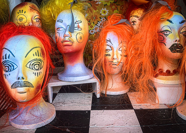 Window display / styrofoam heads