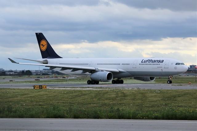 Lufthansa D-AIKS