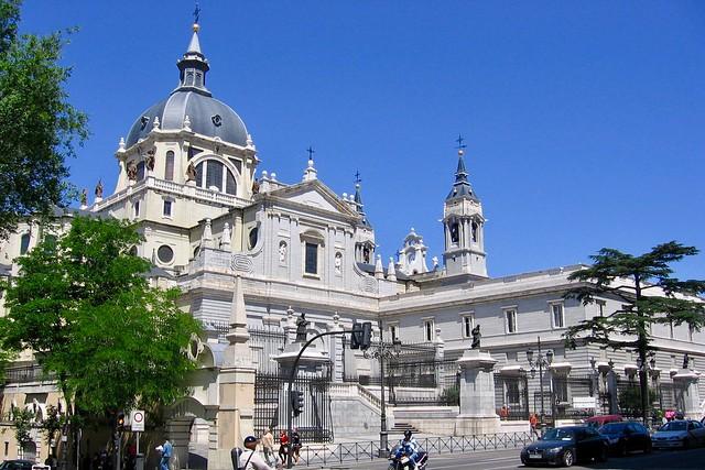 Almudena cathedral / Madrid