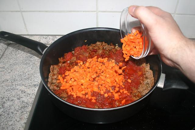 15 - Add diced carrot / Möhrenwürfel hinzufügen