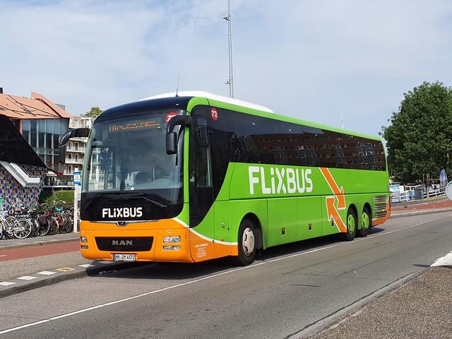 DEU KDE Reisen 72 HH-UM-4872 MAN Lion's Coach L 2020-08-08 Groningen Stationsweg
