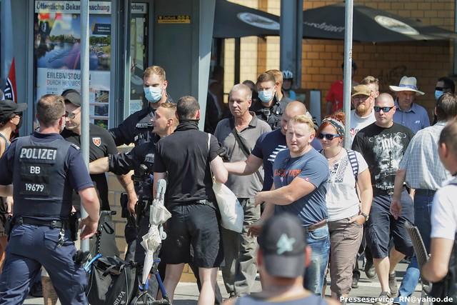 2020.08.08 Hennigsdorf - Neonazi-Kundgebung zum Tag des politischen Gefangenen (11)