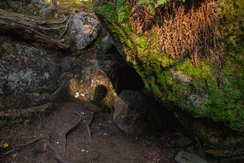Hiskiaan luola, Kammiovuori