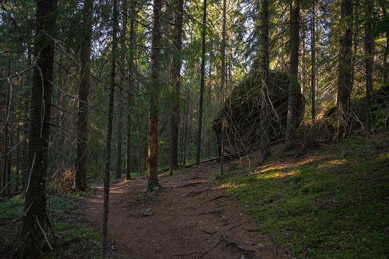Kammiovuori, Hiskiaan luola