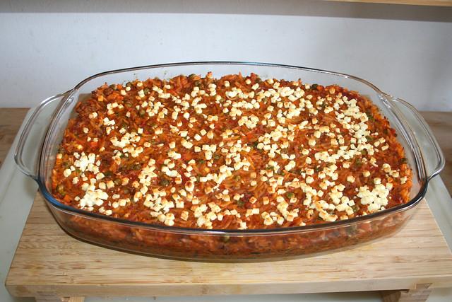 33 - Greek kritharaki casserole with feta - Finished baking / Griechischer Kritharaki-Hack-Auflauf mit Feta - Fertig gebacken