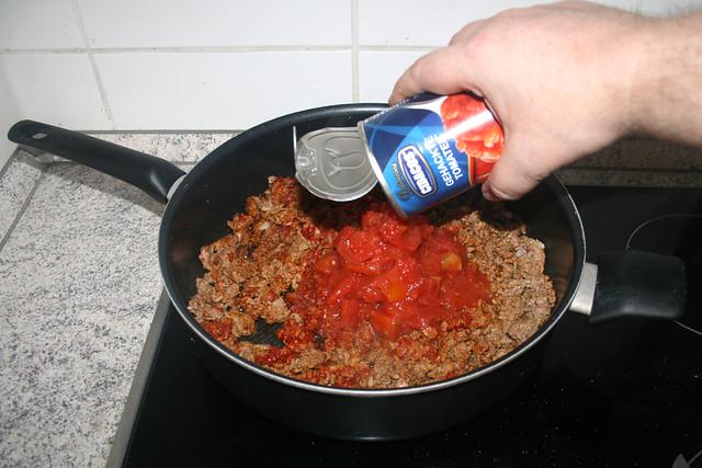 13 - Add tomatoes / Tomaten dazu geben