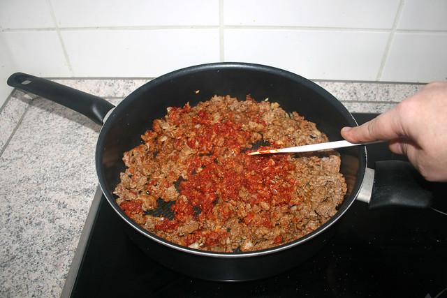 12 - Braise tomato puree & garlic / Tomatenmark & Knoblauch andünsten