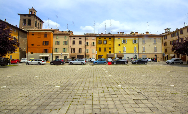SCANDIANO. PIAZZA FIUME