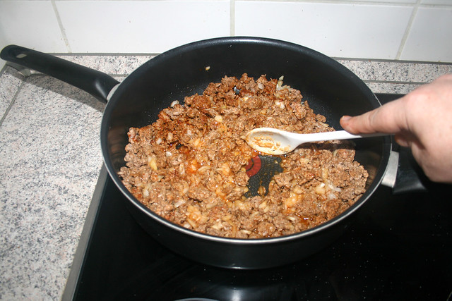 09 - Braise diced onion / Zwiebelwürfel mit andünsten