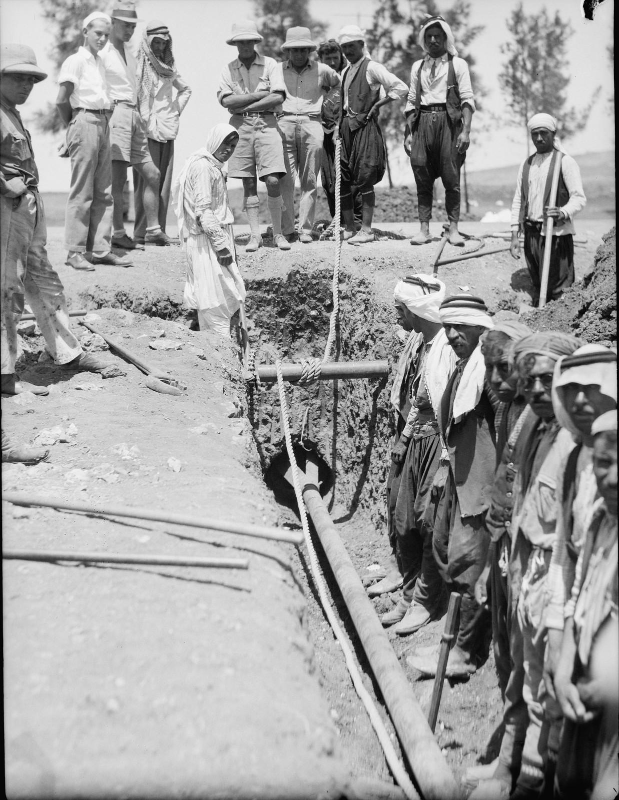 17. Трубопровод, проложенный под Назаретской дорогой