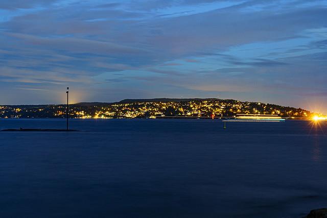 boatpassing between Oslo and Nesoddtangen