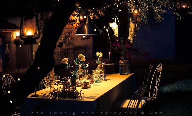 4. Garden Party - Atmosphere
