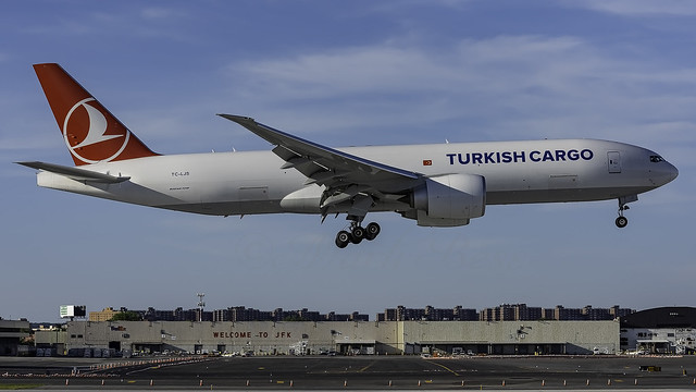 TC-LJS_JFK_Landing_13L_TK_B777_FF2