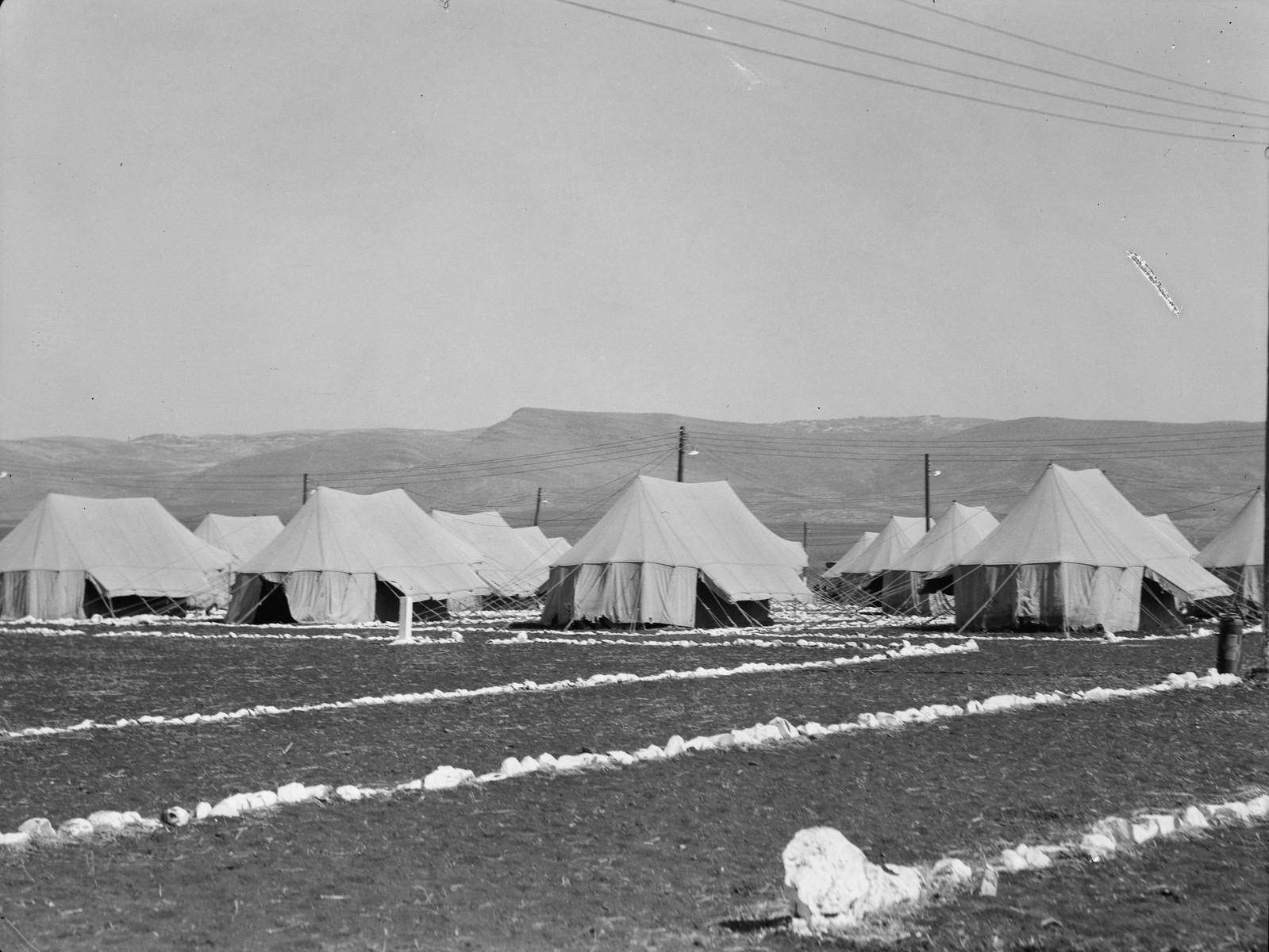 05. Лагерь IPC (Иракская нефтяная компания). Видны Назаретские холмы вдалеке