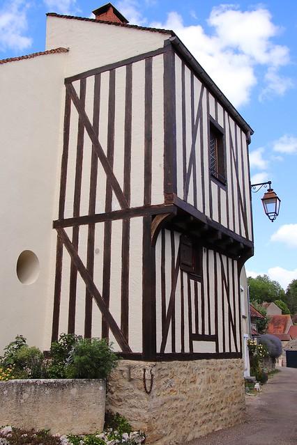 Alise-Sainte-Reine / Ancienne maison du village