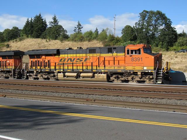 BNSF 8391 ES44C4