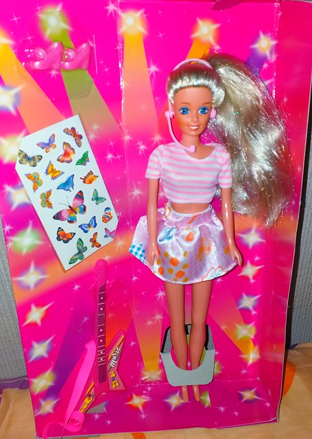 Barbie clone trendy melody