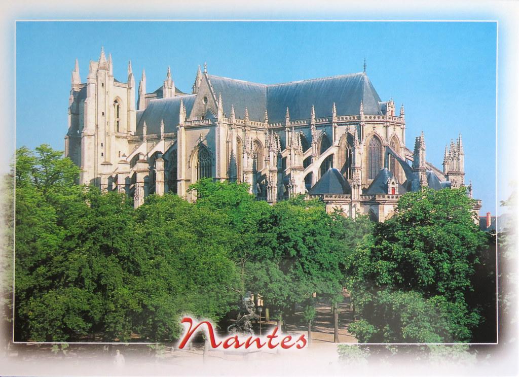 La cathédrale de Nantes, France, côté Sud. Nantes cathedral, France, South side.