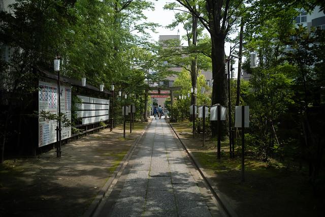 approach to a shrine of Mizonokuchi-jinja shrine