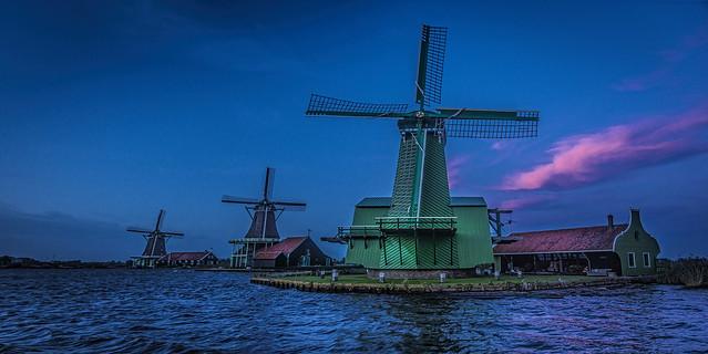 Blue hour Zaanse Schans