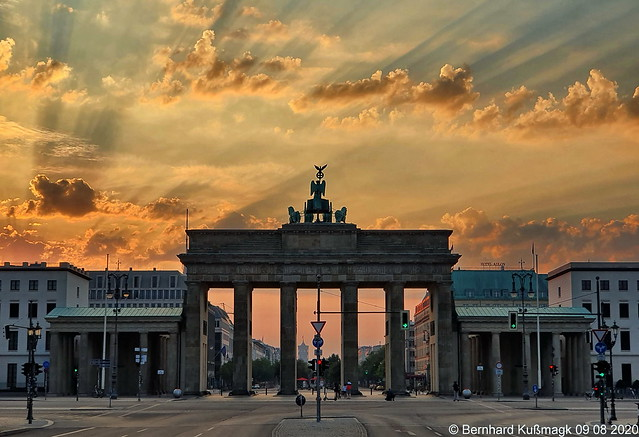 Europa, Deutschland, Berlin, Mitte, Tiergarten, Platz des 18. März, Brandenburger Tor