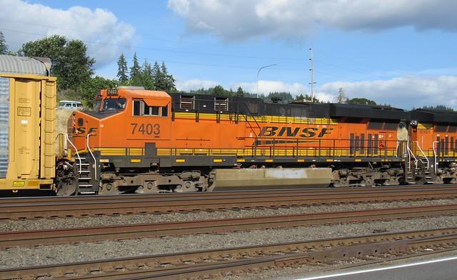 BNSF 7403 ES44DC