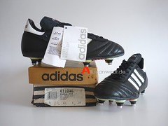 UNWORN 1996 VINTAGE ADIDAS WORLD CUP SOCCER SPORT SHOES