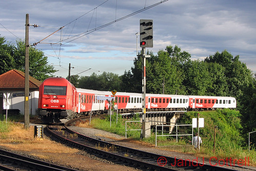 2016 015 at Spielfeld Straß | by WembYard