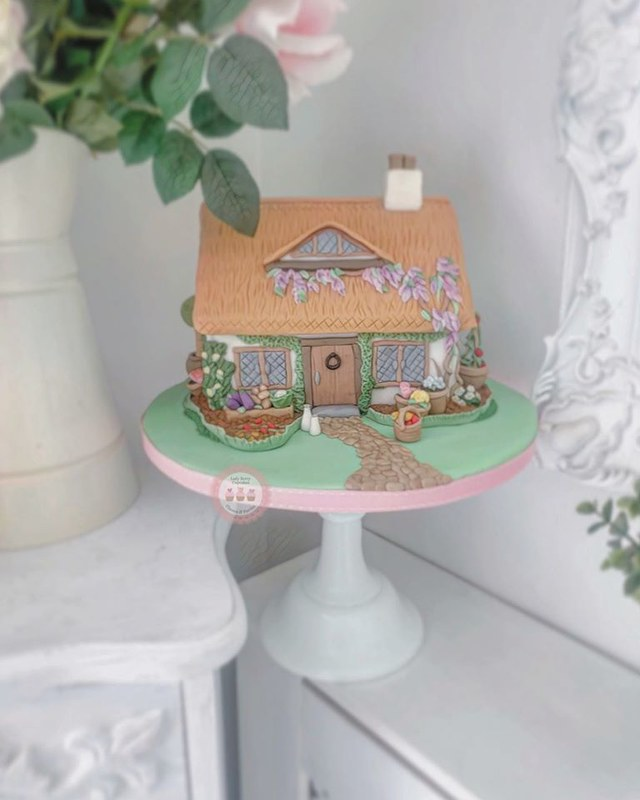 Wedding Anniversary Cottage Cake by Lady Berry Cupcakes & Decorating Classes
