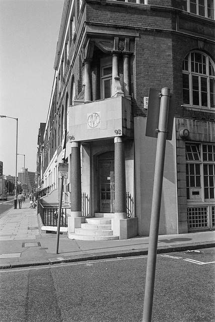 Vauxhall Bridge Rd, Westminster, 1987 87-9g-02-positive_2400