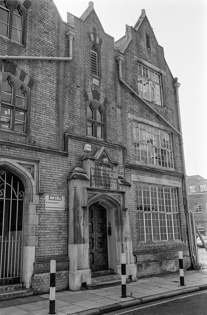 Archibishop Tenison School,  Lambeth High St, Lambeth, 1987 87-9e-63-positive_2400