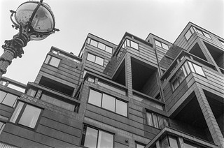 Riverside flats, Pimlico, Westminster, 1987 87-9a-15-positive_2400