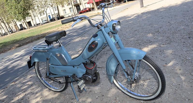 Motobecane Mobylette type AV88  50206598141_6e3ffcb07c_c