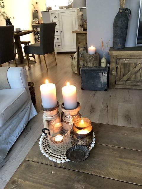 Dienblad met kaarsen landelijke stijl
