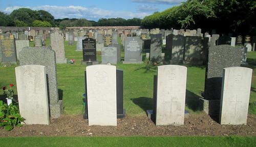 Annan Cemetery, Four War Graves