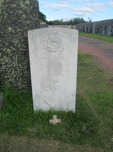 Annan Cemetery, War Grave